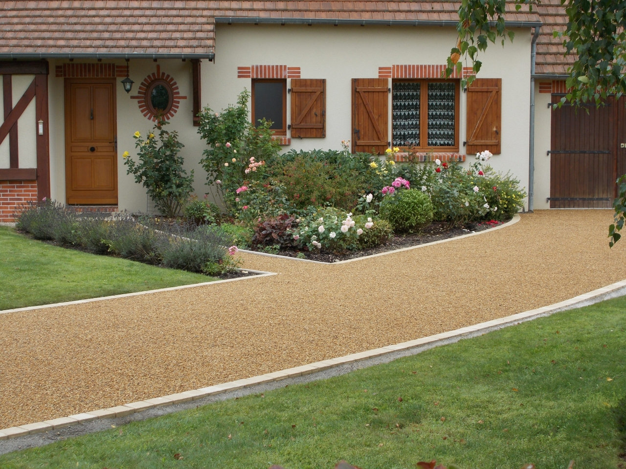 MINERALSTAR® for driveways, paths and patios in England