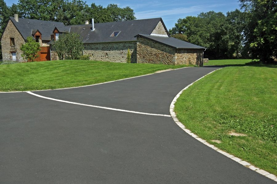 tarmac for driveways paths and patios in england. Black Bedroom Furniture Sets. Home Design Ideas